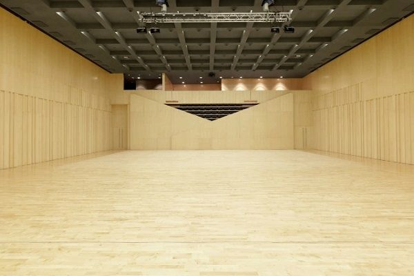 Телескопични трибуни за спортни зали
