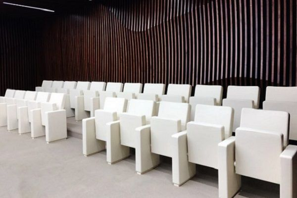 Луксозни кожени столове за министерство