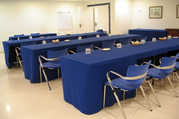 Тапицирани луксозни столове за хотел от висок клас