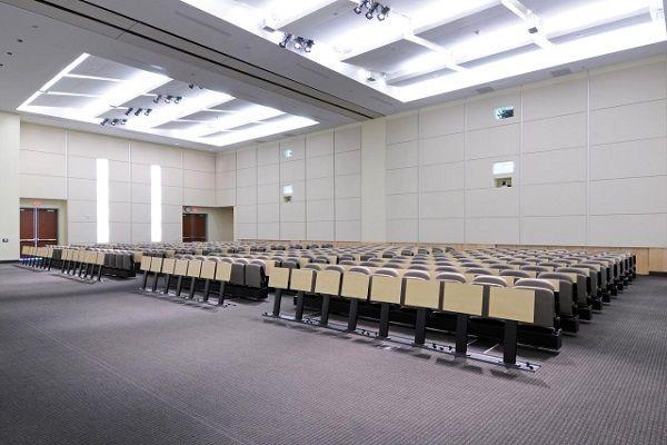 Кожени тапицирани столове за университет
