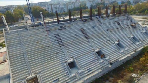 Строежа на стадион Варна напредва